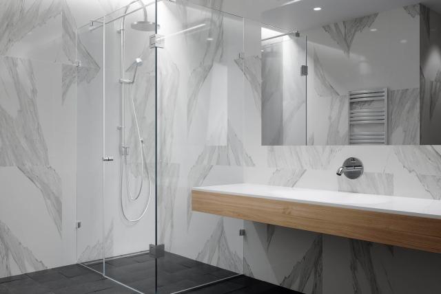 bereme-duso-kabina-lietus-vonios-kambarys-beremeskonstrukcijos-stiklita_1562108672-693d4d79500b24c4ad0fe4c23cd54000.jpg